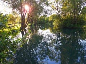 Parcours de pêche sous le soleil moulin de gémages